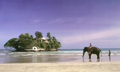 Шри-Ланка храм на острове